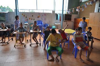 educate disable children at Thien Phuoc