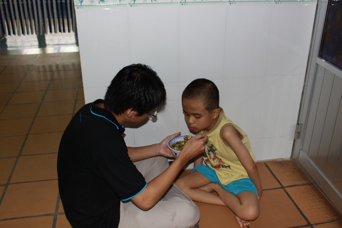 sharing love at Thien Phuoc 2