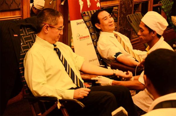 trg international amcham world blood donor day 2012