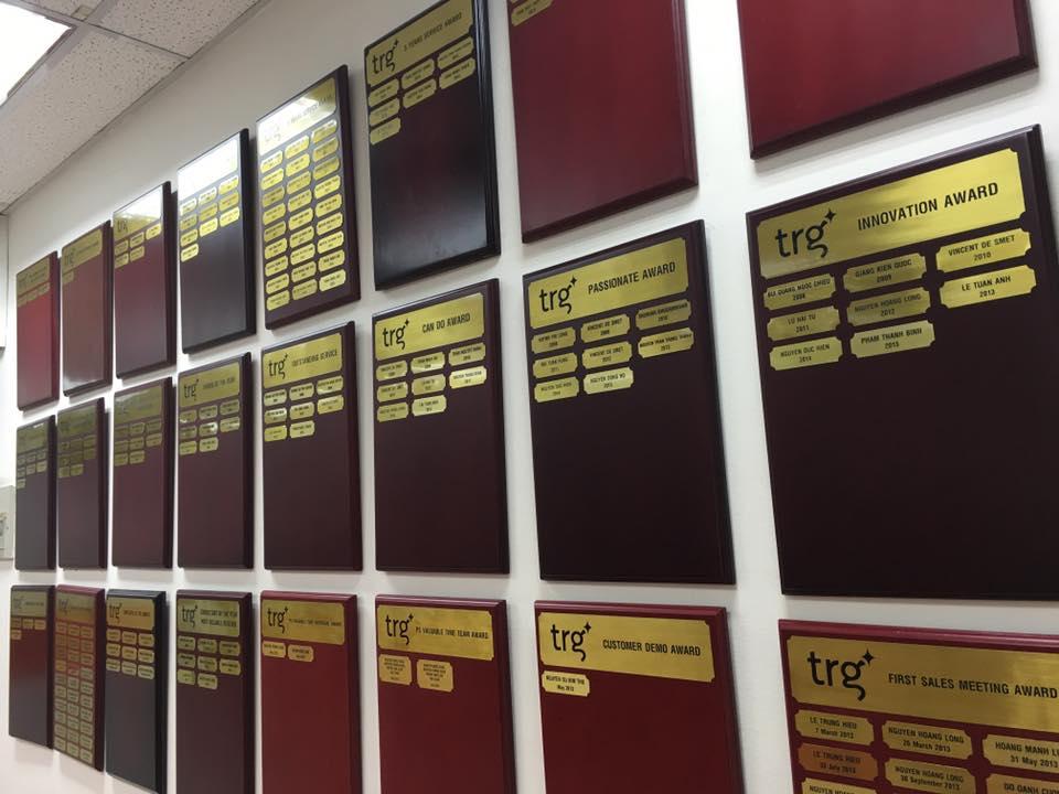 bảng tên khen thưởng thường niên của TRG.jpg