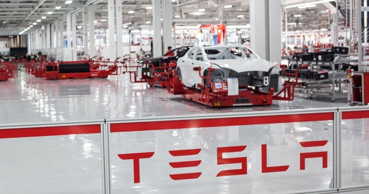 Nhà máy sản xuất xe của Tesla