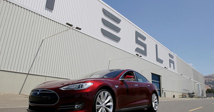 Data Analytics for Manufacturing: the Tesla's Case Study (Part 1)