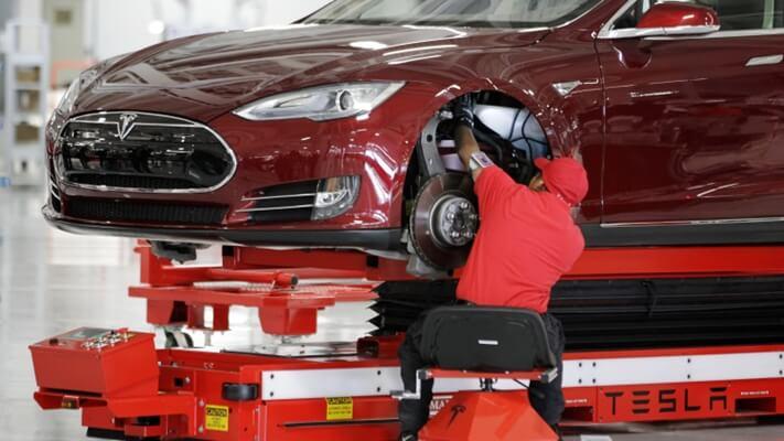 Ứng dụng Business Intelligence vào ngành sản xuất tại Tesla