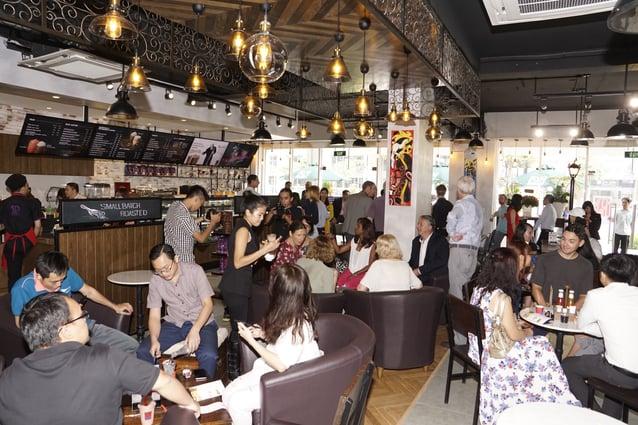 không gian bên trong PJ's Coffee.jpg